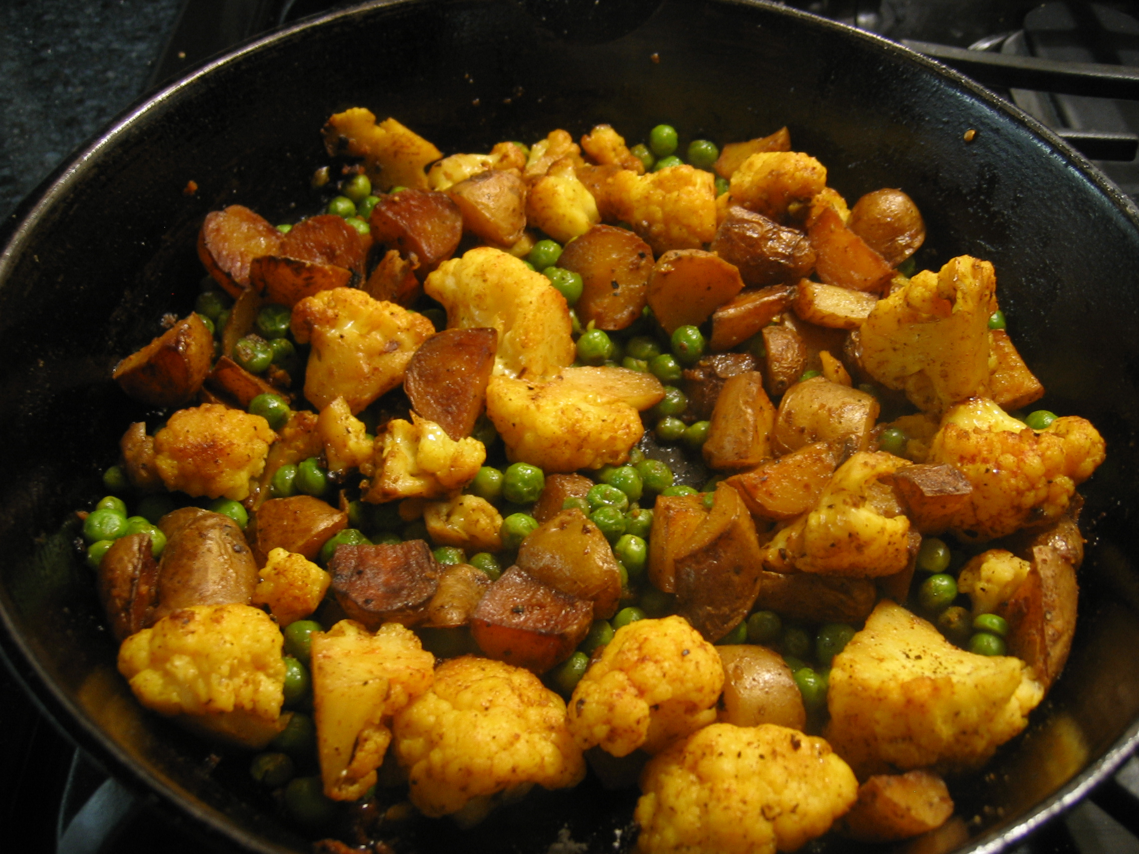 January 2011 eye for a recipe indian potatoes peas and cauliflower forumfinder Gallery