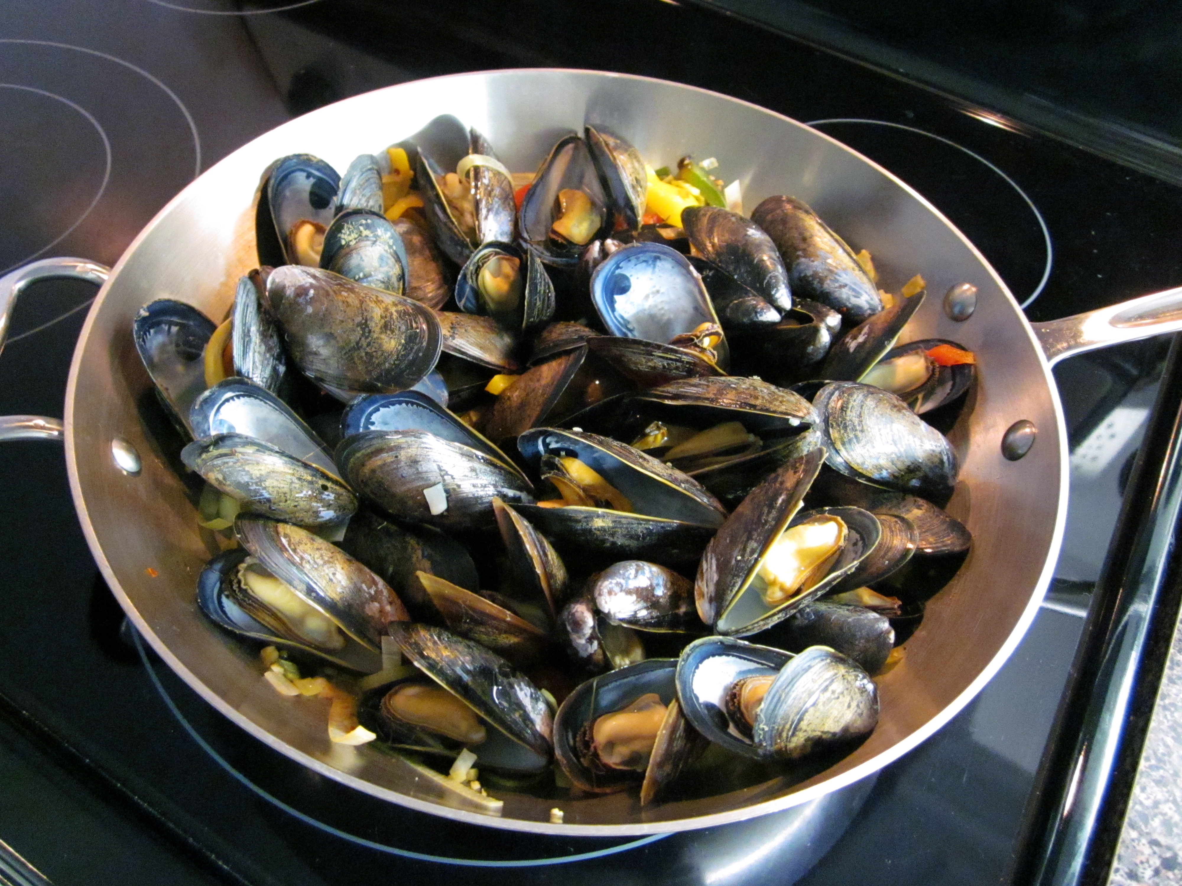 Mussels with Black Bean Sauce « Eye for a Recipe