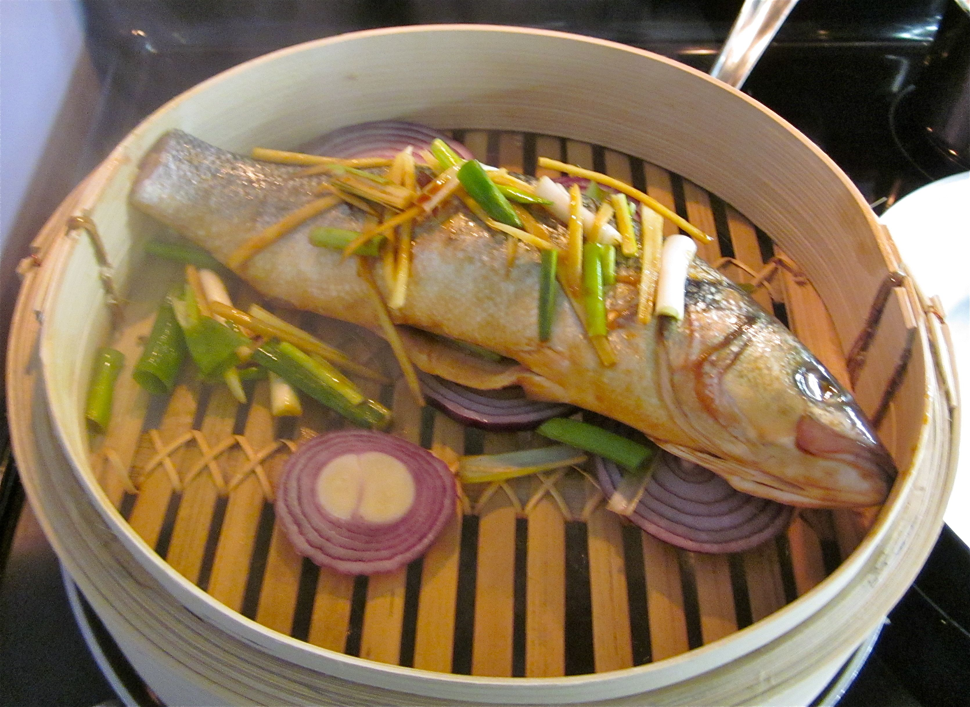 Steamed rockfish with ginger and green onion recipe dishmaps for How to steam fish